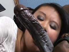 Kiwi Ling is on her knees and sucking dick